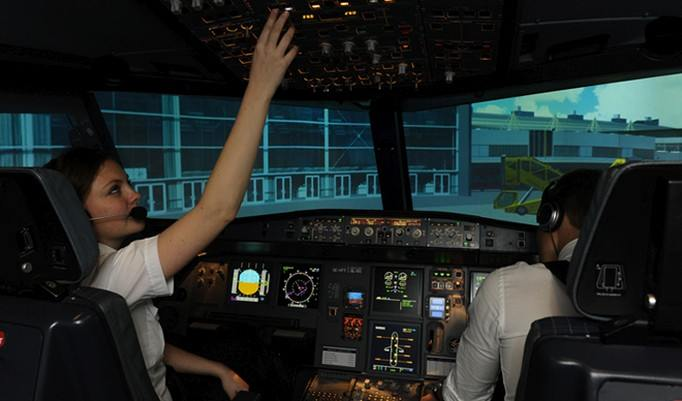 Moderner Flugsimulator in Berlin
